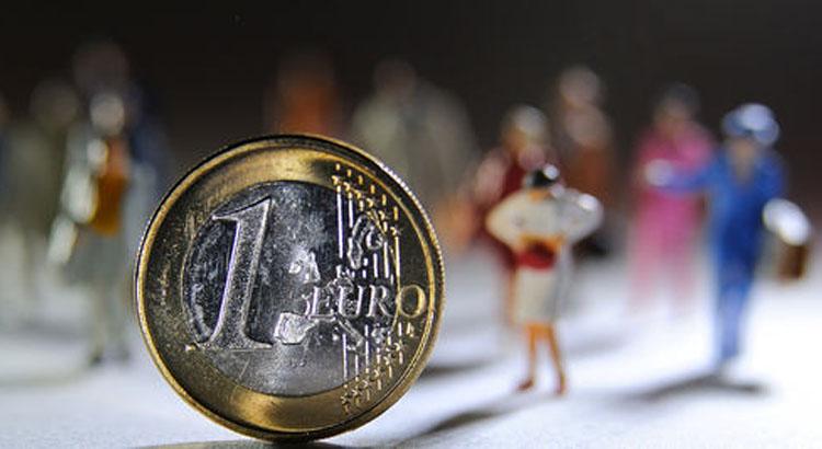 piece de 1 euro et miniatures